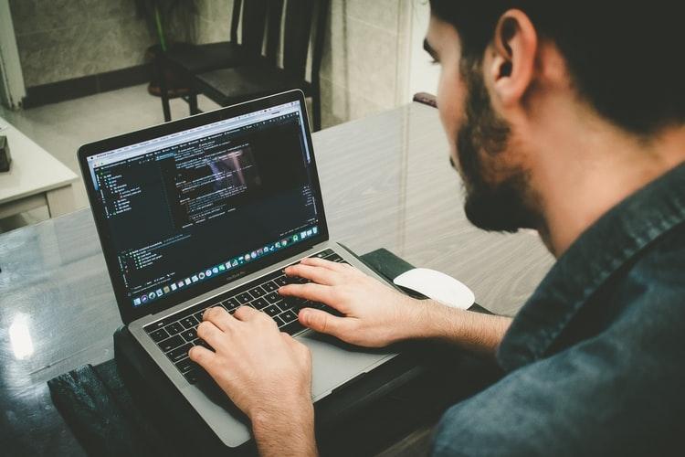 4 Langkah dan Tips untuk Menjadi Programer Dasar