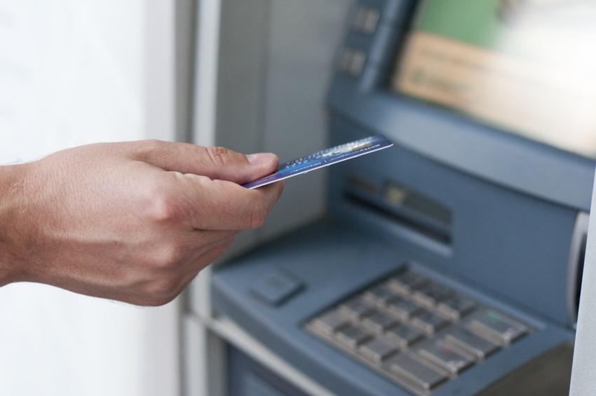 Tips Menghindari Skimming Pada Kartu ATM Debit Atau Kredit